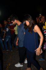 Shahid Kapoor and Mira Rajput snapped post dinner in Mumbai on 14th May 2016 (15)_5738555415f54.JPG