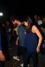 Shahid Kapoor and Mira Rajput snapped post dinner in Mumbai on 14th May 2016 (16)_57385578700d9.JPG