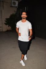 Shahid Kapoor snapped post ad shoot in Mumbai on 15th May 2016