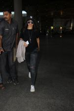 Sonakshi Sinha snapped at airport on 15th May 2016 (21)_57399847a2baa.JPG