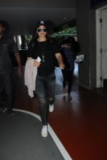 Sonakshi Sinha snapped at airport on 15th May 2016 (27)_5739984b132e9.JPG