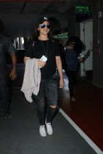 Sonakshi Sinha snapped at airport on 15th May 2016 (30)_5739984cc591a.JPG