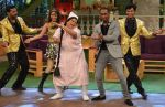 DJ Dwayne Bravo with Bumper Lottery (Kiku Sharda) on the sets of Sony Entertainment Television_s The Kapil Sharma Show (2)_573abe01c2313.JPG