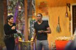 Dwayne Bravo on the sets of Sony Entertainment Television_s The Kapil Sharma on 16th May 2016 (11)_573ac8ea21c9f.JPG