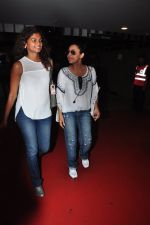 Gauri Khan snapped at airport on 16th May 2016 (14)_573aca263a098.JPG