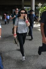 Preity Zinta snapped at airport on 16th May 2016 (31)_573aca760f24f.JPG