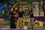 Raveena Tandon, Dwayne Bravo on the sets of Sony Entertainment Television_s The Kapil Sharma on 16th May 2016 (58)_573ac8f469345.JPG
