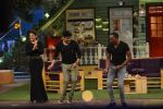 Raveena Tandon, Dwayne Bravo on the sets of Sony Entertainment Television_s The Kapil Sharma on 16th May 2016 (62)_573ac8f590629.JPG