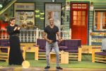 Raveena Tandon, Dwayne Bravo on the sets of Sony Entertainment Television_s The Kapil Sharma on 16th May 2016 (51)_573ac9157b697.JPG