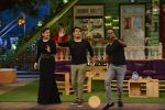 Raveena Tandon, Dwayne Bravo on the sets of Sony Entertainment Television_s The Kapil Sharma on 16th May 2016 (57)_573ac9172d589.JPG