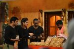 Raveena Tandon, Dwayne Bravo on the sets of Sony Entertainment Television_s The Kapil Sharma on 16th May 2016 (67)_573ac91b1caff.JPG