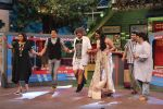 Farah Khan and Sania Mirza on the set of The Kapil Sharma Show in Mumbai on 18th May 2016 (1)_573d956760c22.JPG