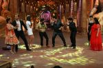 Kumar Sanu on the sets of Comedy Nights Bachao on 18th May 2016 (23)_573d745c0805f.JPG