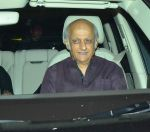 Mukesh Bhatt at SRK hosts Apple ceo TIM COOK party on 18th May 2016 (35)_573d75b67c1f3.JPG