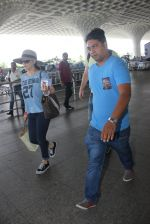 Preity Zinta with hubby snapped at airport on 18th May 2016 (23)_573d70d8b25d5.JPG