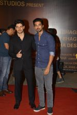 Sooraj Pancholi, Saqib Saleem at Sarbjit Premiere in Mumbai on 18th May 2016