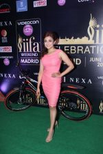 Monali Thakur at IIFA Press Conference in Taj Land_s End on 20th May 2016 (134)_574031a3f14ca.JPG