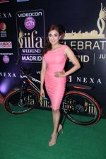 Monali Thakur at IIFA Press Conference in Taj Land_s End on 20th May 2016 (135)_574031a52dd2b.JPG