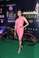Monali Thakur at IIFA Press Conference in Taj Land_s End on 20th May 2016 (137)_574031a6bb770.JPG