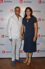Priya Dutt at Berklee school concert in Mumbai on 19th May 2016 (20)_57400b395dd3c.JPG
