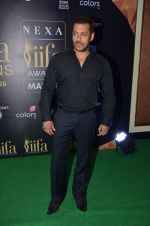 Salman Khan at IIFA Press Conference in Taj Land_s End on 20th May 2016 (73)_5740321134af7.JPG