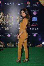 Shilpa Shetty at IIFA Press Conference in Taj Land_s End on 20th May 2016 (81)_57403275af060.JPG