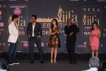 Sooraj Pancholi, Kanika Kapoor, Monali Thakur at IIFA Press Conference in Taj Land_s End on 20th May 2016 (183)_574031aae7421.JPG