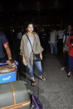 Gauri Shinde arrives from Singapore on 21st May 2016 (33)_574307436e8ce.JPG