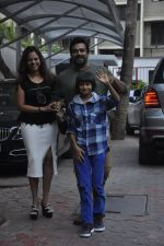 Madhavan at Shilpa Shetty Son_s bday on 21st May 2016 (43)_5743079dc7325.JPG