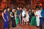 Akshay Kumar, Lisa Haydon, Jacqueline Fernandez, Riteish Deshmukh at Housefull 3 promotions on Comedy Nights Bachao on 23rd May 2016