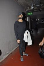 Dhanush snapped at airport on 25th May 2016 (28)_574729aa3ee94.JPG