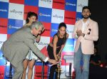 Jacqueline Fernandez, Lisa Haydon, Abhishek Bachchan with Housefull 3 team in Delhi on 25th May 2016 (97)_57472f71379c5.JPG