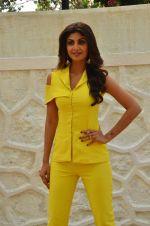 Shilpa Shetty at Promo Shoot of Sony TV_s India_s Super Dancer on 24th May 2016 (23)_574707ef1ecd1.JPG