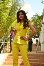Shilpa Shetty at Promo Shoot of Sony TV_s India_s Super Dancer on 24th May 2016 (33)_5747080bf0fab.JPG