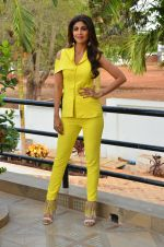 Shilpa Shetty at Promo Shoot of Sony TV_s India_s Super Dancer on 24th May 2016 (6)_574707d661c4b.JPG