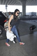 Shraddha Kapoor snapped at airport on 24th May 2016 (32)_5747066d6dcc8.JPG
