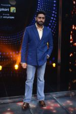 Abhishek Bachchan promote Housefull 3 on the sets of saregama on 26th May 2016 (75)_5747cc3bbbb3a.JPG