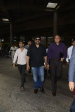 Chiranjeevi snapped at airport on 26th May 2016 (2)_5747cadd00cff.JPG