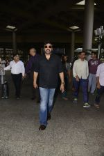 Chiranjeevi snapped at airport on 26th May 2016 (5)_5747cae150be7.JPG