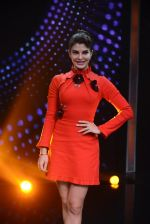 Jacqueline Fernandez promote Housefull 3 on the sets of saregama on 26th May 2016 (63)_5747cd8a548ea.JPG