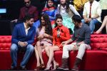 Jacqueline Fernandez, Lisa Haydon, Akshay Kumar, Abhishek Bachchan promote Housefull 3 on the sets of saregama on 26th May 2016 (13)_5747cc429dd96.JPG