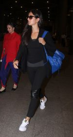 Katrina Kaif snapped at airport on 26th May 2016
