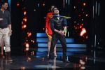 Mika Singh promote Housefull 3 on the sets of saregama on 26th May 2016 (46)_5747cd843549f.JPG