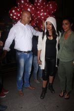 Priyanka Chopra snapped at airport in Mumbai on 27th May 2016 (40)_5747f20d15d25.JPG