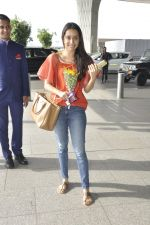Shraddha Kapoor snapped at airport on 26th May 2016 (27)_5747ed282e0fd.JPG