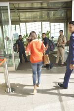 Shraddha Kapoor snapped at airport on 26th May 2016 (30)_5747ed199073b.JPG