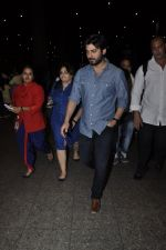 Fawad Khan snapped at airport in Mumbai on 28th May 2016  (10)_574a92e1b513a.JPG