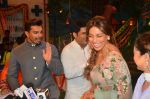 Karan Singh Grover and Bipasha Basu on the sets of Kapil Sharma Show on 28th May 2016 (45)_574a98e012208.JPG