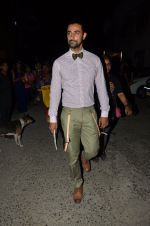Kunal Kapoor snapped at airport in Mumbai on 28th May 2016 (16)_574a93920f75f.JPG