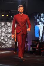 Model walk for True Blue in Mumbai on 28th May 2016